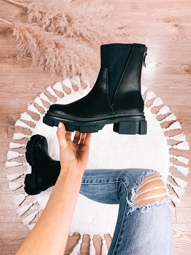 Evi High Chelsea Boots